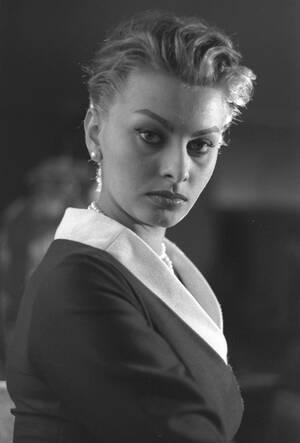 1956 Η Ιταλίδα ηθοποιός Σοφία Λόρεν, στη Ρώμη.