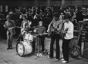 1968 Η ποπ μπάντα από την Αυστραλία The Bee Gees, κάνουν πρόβες στο Royal Albert Hall του Λονδίνου, όπου πρόκειται να δώσουν συναυλία, στην πρώτη τους τουρνέ στο Ηνωμένο Βασίλειο και την Ιρλανδία.