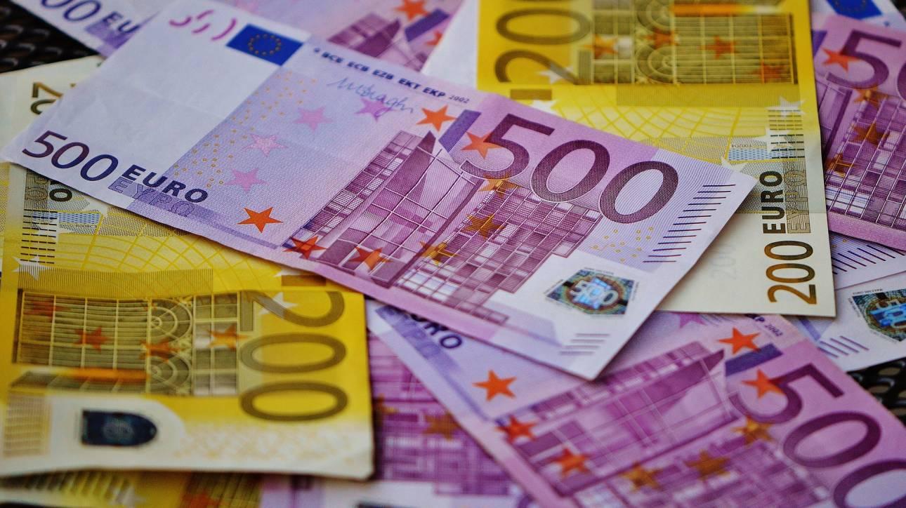«Δώρο» 300 εκατ. ευρώ στις τράπεζες για τα πιστωτικά υπόλοιπα παρακρατούμενων φόρων