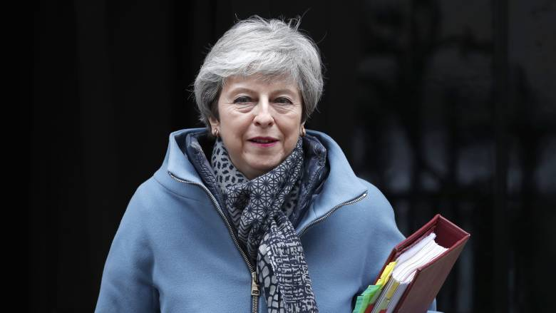 Brexit: Η Μέι είναι έτοιμη να «θυσιαστεί» για να περάσει η συμφωνία της με την ΕΕ