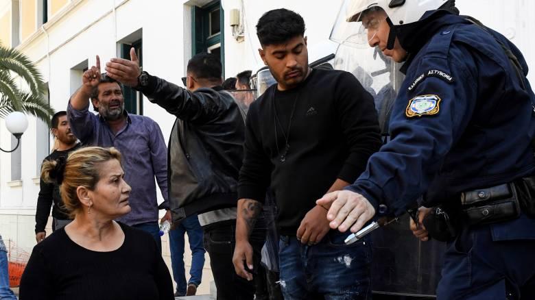 Κόρινθος: Ελεύθερος με περιοριστικούς όρους ο 35χρονος κατηγορούμενος για τη δολοφονία Ρομά