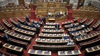 Στη Βουλή οι δικογραφίες Σκουρλέτη και Τόσκα για την τραγωδία στο Μάτι