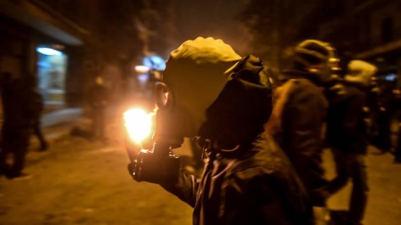 Συλλήψεις για τις επιθέσεις με μολότοφ εναντίον αστυνομικών στο Πολυτεχνείο