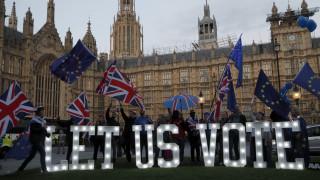 Η τελευταία «ζαριά» της Μέι: Πώς μπορεί να λυθεί το αδιέξοδο του Brexit;