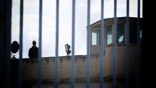 Νέες αποκαλύψεις για τη μαφία των φυλακών: Σχεδίαζαν να περάσουν μαχαίρια στη δικαστική αίθουσα