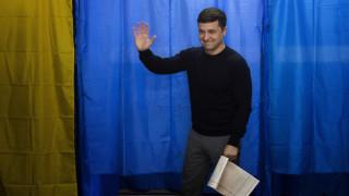 Προεδρικές εκλογές Ουκρανία: Στις κάλπες οι πολίτες - Φαβορί ένας… κωμικός