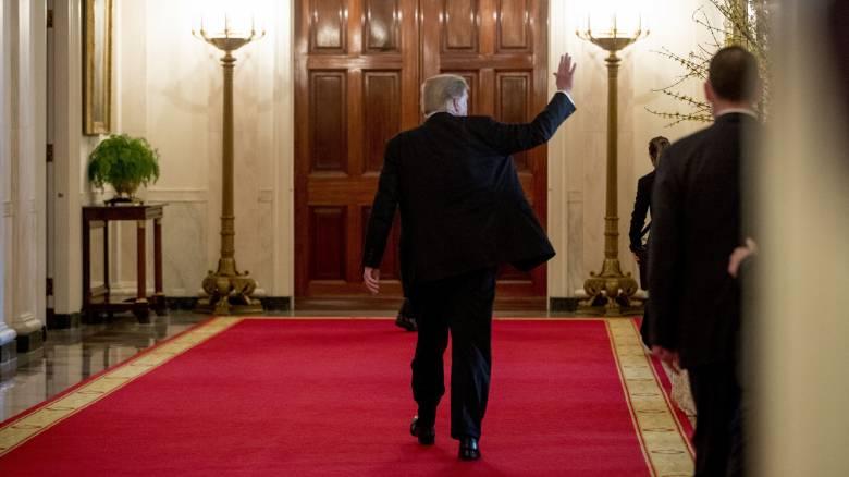Σκάνδαλο στον Λευκό Οίκο με τις διαπιστεύσεις ασφαλείας;