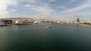 Βλάβη σε δελφίνι – Επιστρέφει στον Πειραιά με 86 επιβάτες