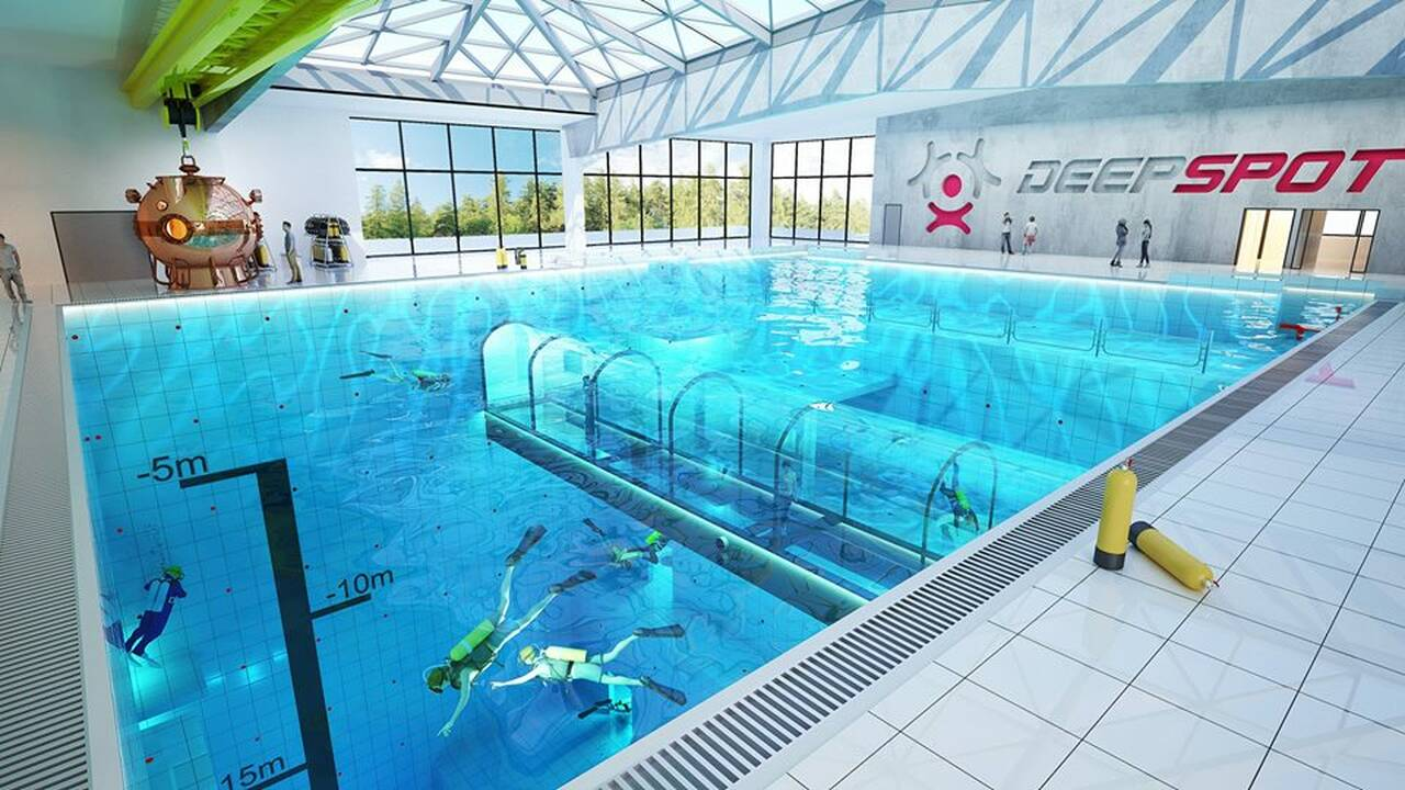 Η πισίνα είναι υπό κατασκευή στην πόλη Mszczonow και θα έχει βάθος 45 μέτρων.