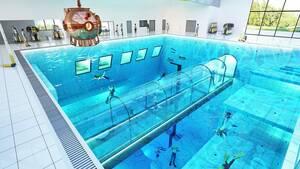 Αξιόλογο είναι και το υποβρύχιο τούνελ που θα κατασκευαστεί και θα επιτρέπει στους επισκέπτες της πισίνας να βλέπουν το εσωτερικό της χωρίς να βρέχονται.