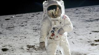 Ο διπλός στόχος της NASA: Με το βλέμμα στη Σελήνη και τον... Άρη