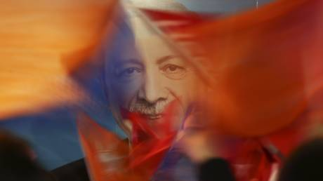 Ανθεκτικός ο Ερντογάν στις κυρώσεις του Διεθνούς Χρηματοπιστωτικού Συστήματος