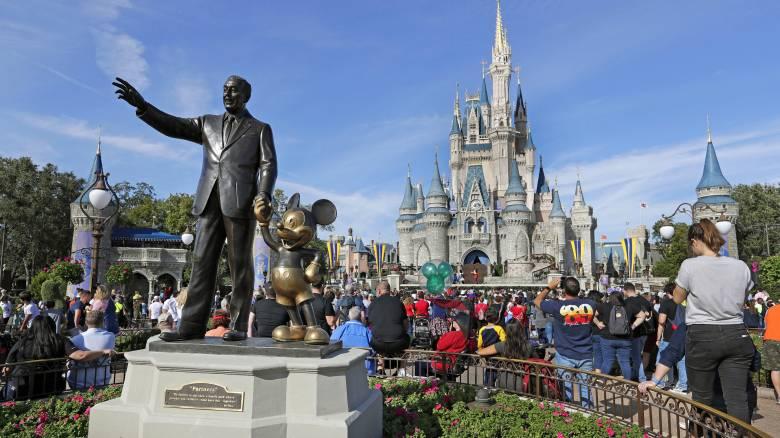 Στα δικαστήρια η Disney για παραβίαση της νομοθεσίας περί ίσης αμοιβής αντρών και γυναικών
