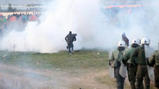 Τεταμένο το κλίμα στα Διαβατά: Επεισόδια με μετανάστες, δακρυγόνα και χημικά