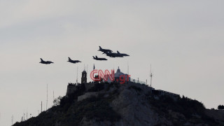 Εντυπωσιακές εικόνες από την άσκηση «Ηνίοχος 2019»: Αεροσκάφη κατέκλυσαν τον ουρανό της Αθήνας