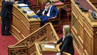 ΚΙΝΑΛ για δάνεια των κομμάτων: Θα πληρώνουμε μια ζωή αν χρειαστεί - ΣΥΡΙΖΑ: Εξοργιστική απάντηση
