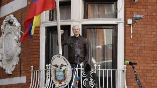 WikiLeaks: Θέμα ωρών ή ημερών η εκδίωξη του Aσάνζ από την πρεσβεία του Ισημερινού