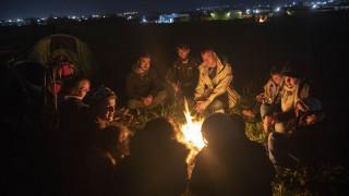 Διαβατά: Εκατοντάδες πρόσφυγες διανυκτέρευσαν έξω από το κέντρο φιλοξενίας
