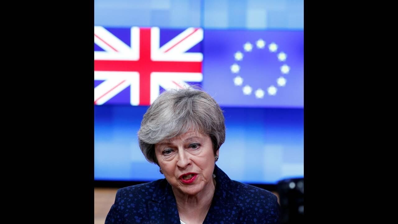 https://cdn.cnngreece.gr/media/news/2019/04/05/171813/photos/snapshot/2019-02-07T153316Z_2117678817_RC17975CFCB0_RTRMADP_3_BRITAIN-EU-MAY-TUSK.JPG