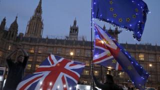 Brexit: Νέες επαφές κυβέρνησης - Εργατικών μετά την επιστολή παράτασης της Μέι
