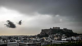 Καιρός: Ισχυρές καταιγίδες, χαλάζι, λασποβροχές και σκόνη το Σάββατο
