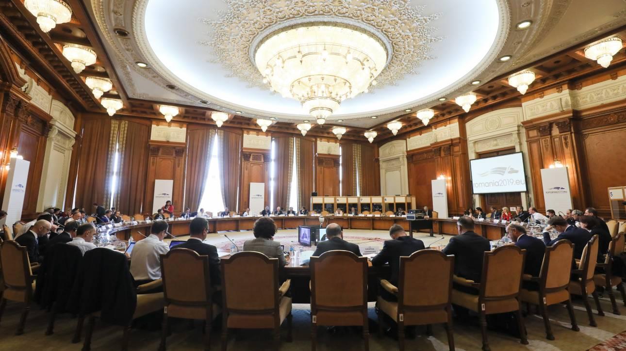 Eurogroup: Η Ελλάδα δεσμεύτηκε για μείωση του αφορολόγητου