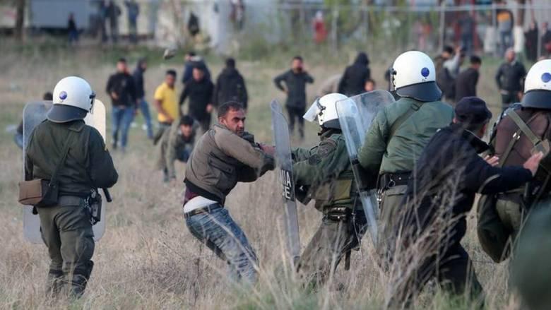 Νέα ένταση στα Διαβατά: Επεισόδια και δακρυγόνα κατά των προσφύγων