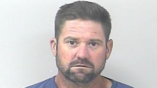 Αμετανόητος ληστής: Συνελήφθη να κλέβει αυτοκίνητα 15 λεπτά μετά την... αποφυλάκισή του