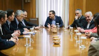Έδωσαν τα χέρια Τσίπρας – Θεοχαρόπουλος, παραιτήσεις στη ΔΗΜΑΡ
