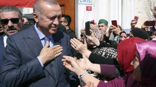 Ο Ερντογάν θα δεχθεί τα αποτελέσματα της επανακαταμέτρησης σε Άγκυρα και Κωνσταντινούπολη