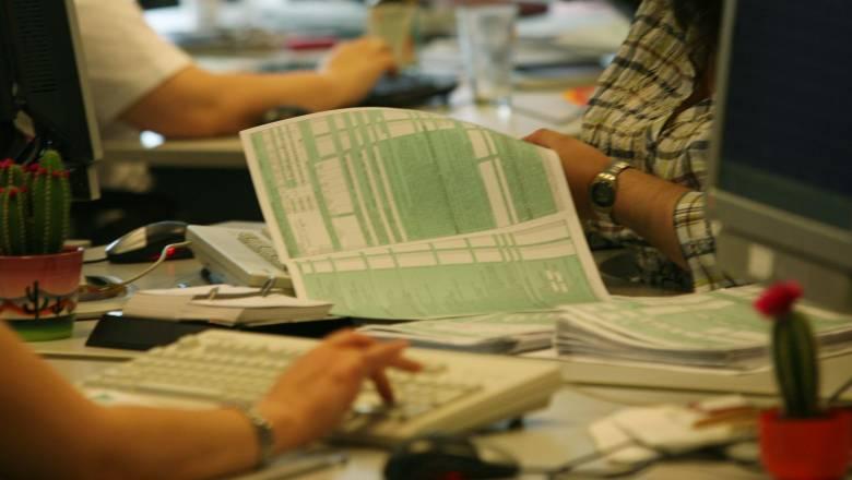 Φορολογικές δηλώσεις 2019: Πώς θα λάβετε έκπτωση 2.100 ευρώ