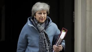 Συμφωνία ή ματαίωση: Αυτές είναι οι δύο επιλογές για το Brexit σύμφωνα με τη Μέι