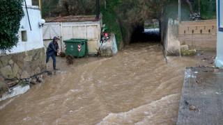 Καταστροφές μετρά η Κρήτη μετά τη θεομηνία - Σε επιφυλακή οι αρχές ενόψει νέας επιδείνωσης