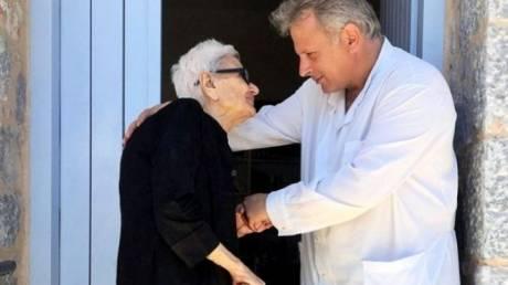 Ο καλύτερος οικογενειακός γιατρός της Ευρώπης είναι Έλληνας: «Δεν κοροϊδέψαμε ποτέ τον άνθρωπο»