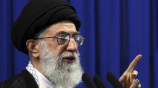 Ο Χαμενεΐ ζητά την αποχώρηση των αμερικάνικων στρατευμάτων από το Ιράκ