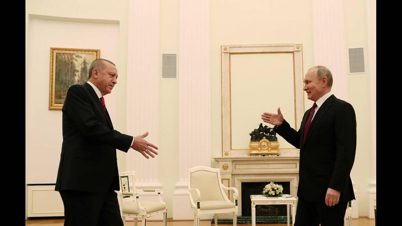 https://cdn.cnngreece.gr/media/news/2019/04/08/172119/photos/snapshot/2019-01-23T152749Z_1697316005_RC17A00F11F0_RTRMADP_3_RUSSIA-TURKEY-PUTIN-ERDOGAN.jpg