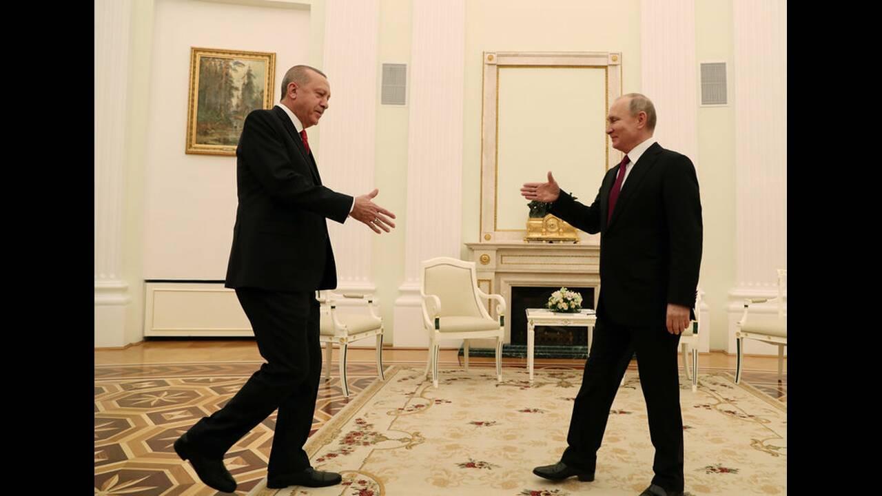 https://cdn.cnngreece.gr/media/news/2019/04/08/172119/photos/snapshot/2019-01-23T153018Z_1934593822_RC195CF12770_RTRMADP_3_RUSSIA-TURKEY-PUTIN-ERDOGAN.jpg