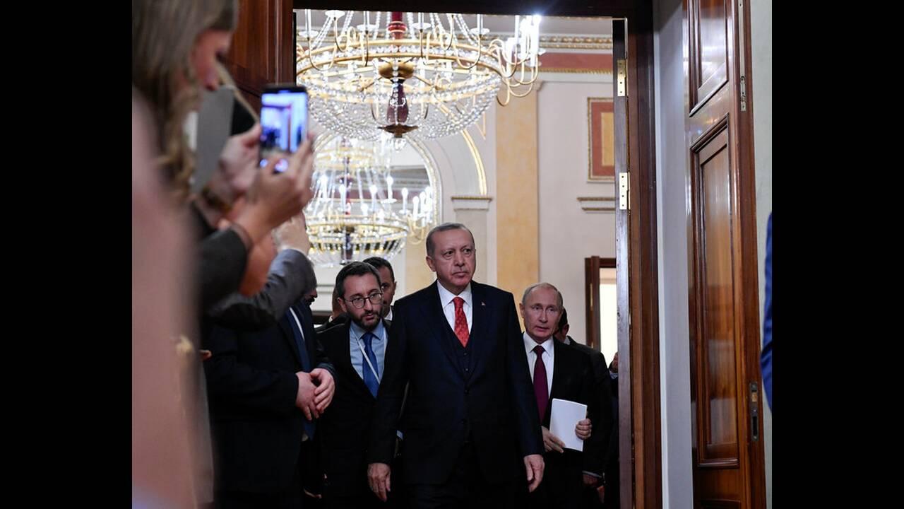 https://cdn.cnngreece.gr/media/news/2019/04/08/172119/photos/snapshot/2019-01-23T192031Z_2042100692_RC1821961E80_RTRMADP_3_RUSSIA-TURKEY-PUTIN-ERDOGAN.jpg