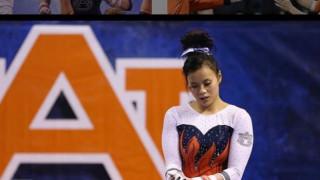 Σοκαριστικός τραυματισμός αθλήτριας ρυθμικής: Έσπασε και τα δύο της πόδια σε άσκηση