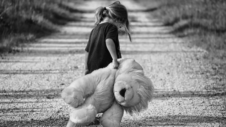 Στοιχεία σοκ για το παιδικό trafficking: Πιο επικερδές και από το εμπόριο όπλων