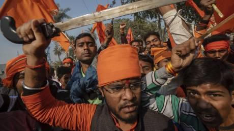 Στην Ινδία, τις εκλογές θα κρίνουν οι αγελάδες – Η άνοδος ενός νέου θρησκευτικού υπερεθνικισμού