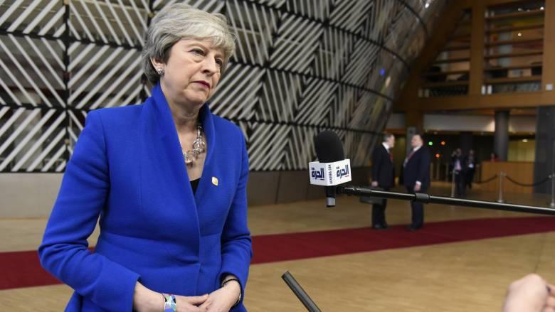 Brexit: Ανοιχτή σε οποιαδήποτε παράταση η Μέι - Μακρόν Τίποτα δεν είναι δεδομένο