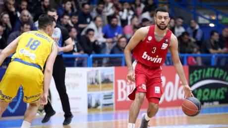 Περιστέρι - Ολυμπιακός 81-76: Τον... ξαναπροσγείωσε απότομα
