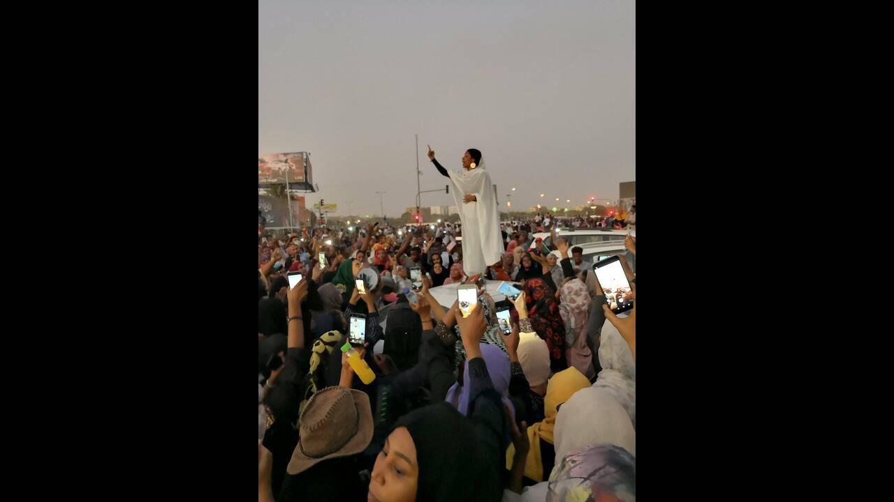 https://cdn.cnngreece.gr/media/news/2019/04/10/172472/photos/snapshot/sudan-lana_hago.jpg