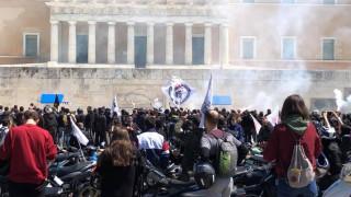 Απεργία: Στο κέντρο της Αθήνας συγκεντρώθηκαν εκατοντάδες διανομείς