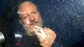 «Για λογαριασμό» των ΗΠΑ η σύλληψη Ασάνζ στο Λονδίνο