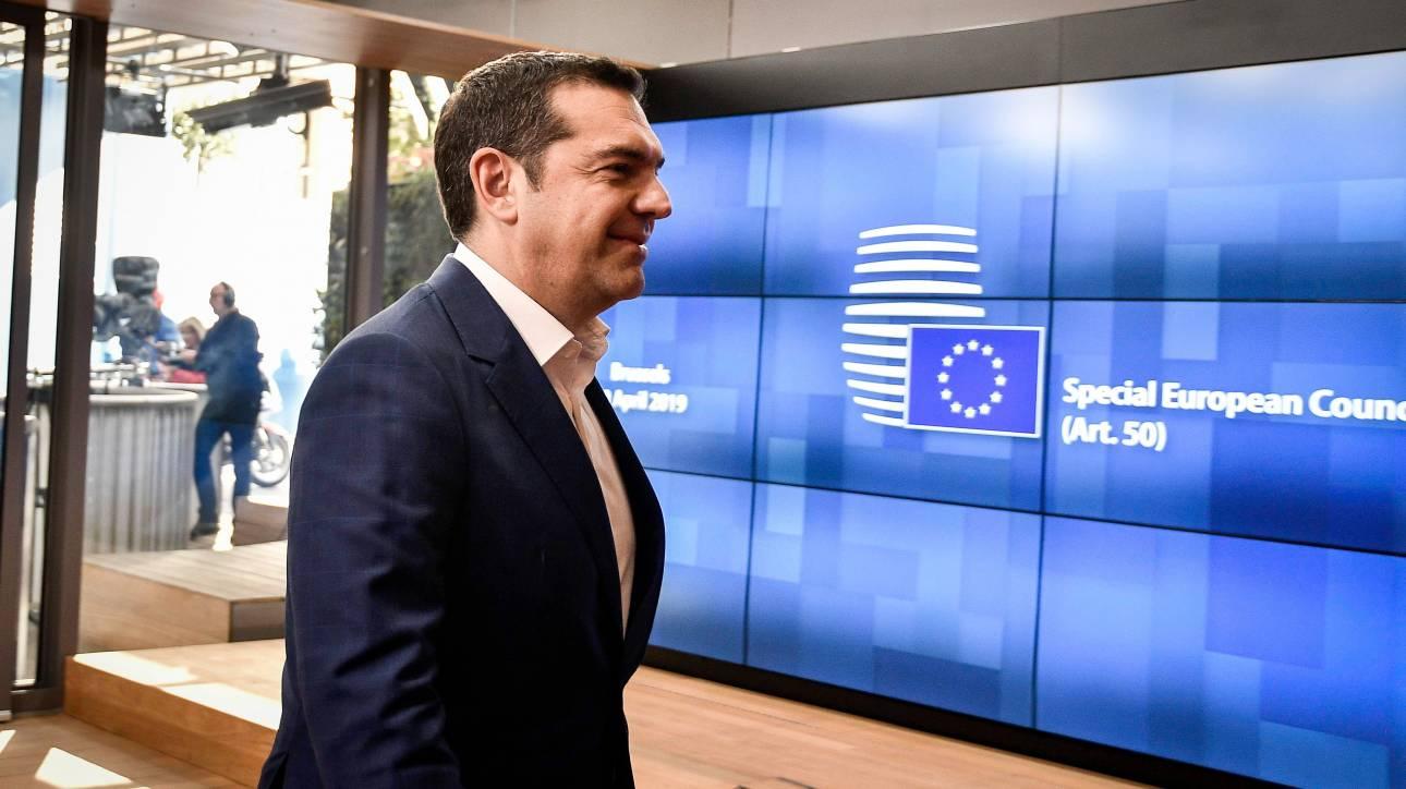 Bloomberg: O ειδικός στην ανατροπή δημοψηφισμάτων, Τσίπρας, λέει πως το Brexit μπορεί να αποτραπεί