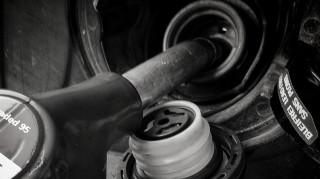 «Φωτιά» η τιμή της βενζίνης – Πού αναμένεται να φτάσει