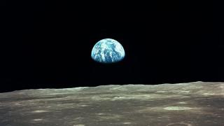 Από το Apollo 11 στη Μαύρη Τρύπα: 10 φωτογραφίες που έγραψαν ιστορία
