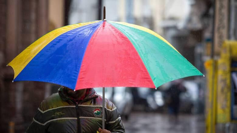 Καιρός: Μικρή πτώση της θερμοκρασίας την Κυριακή - Πού θα «χτυπήσουν» έντονα φαινόμενα
